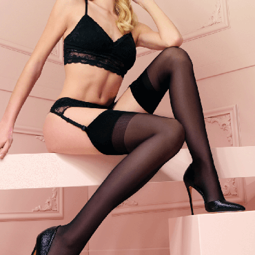 Trasparenze_Sara_calza-da-reggicalze-seta_silk-stocking-for-suspender-belt_spring-summer_primavera-estate.png